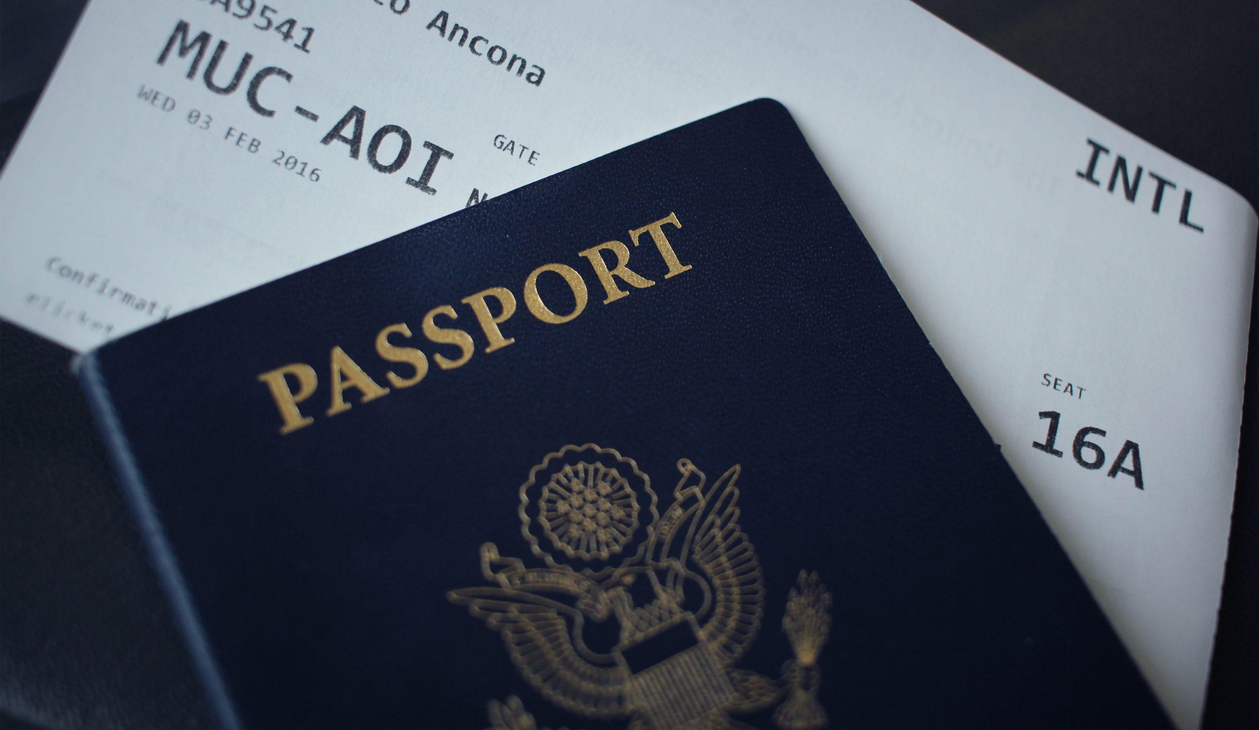 ロナウジーニョ 逮捕報道 パスポート偽造